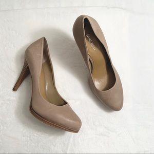 NINE WEST | Nude Leather Stacked Pump Heels Sz 7